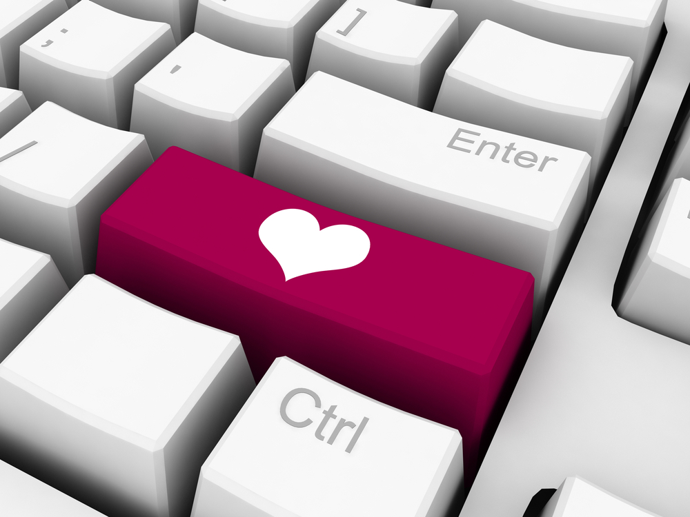 4 Myths About Online Dating, Debunked