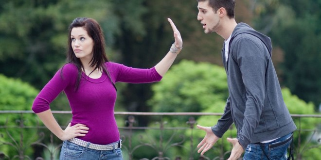 6 Tell-Tale Signs that You're Dating a Womanizer