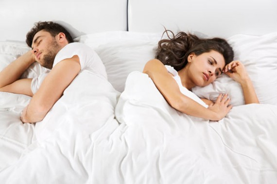 couple-angry-in-bed
