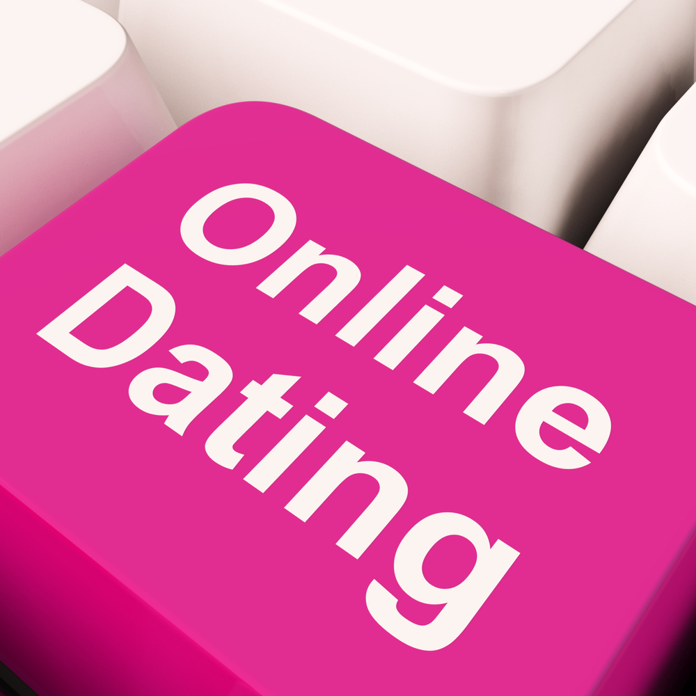 The Dangers Of Online Dating & How To Avoid Them